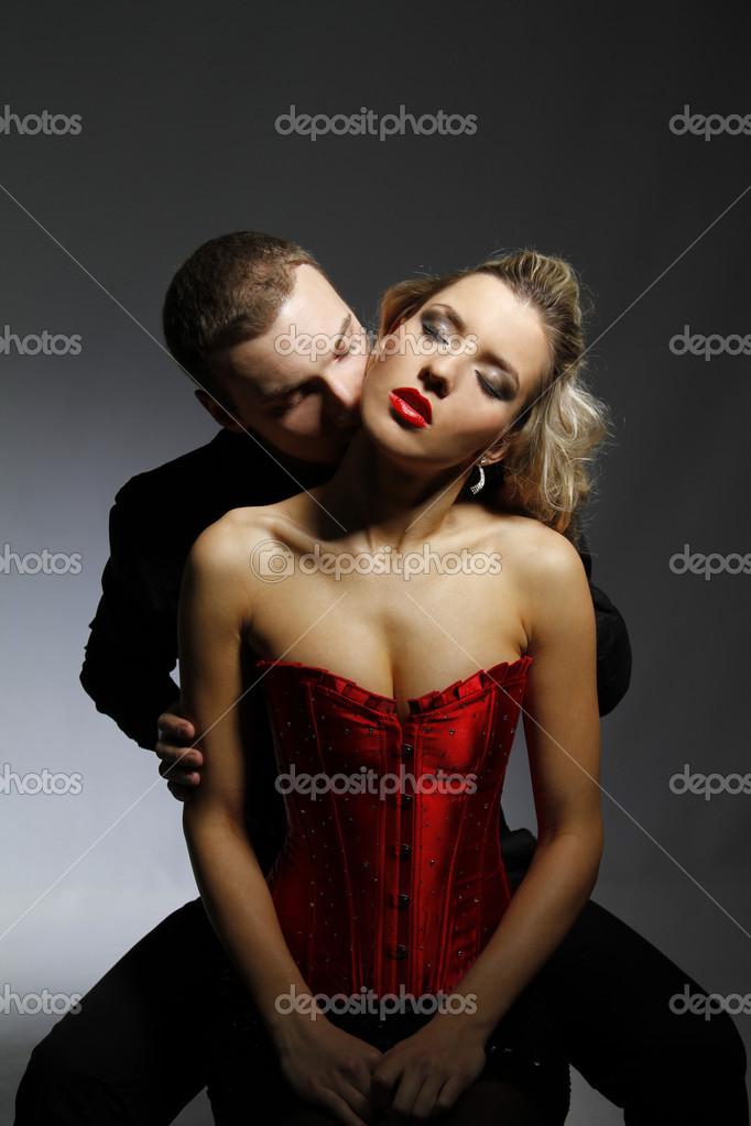 Man kissing woman in her neck — Stock Photo #5134311