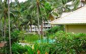 Basen w luksusowy villa, phuket, tajlandia — Zdjęcie stockowe