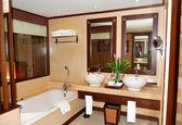Bathroom at modern luxury villa, Samui island, Thailand — Stock Photo