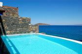 Swimming pool by luxury villa, Crete, Greece — Stock Photo