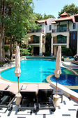 Swimming pool at the popular hotel, Pattaya, Thailand — Stock Photo