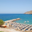 Beach of the popular hotel, Crete, Greece — Stock Photo