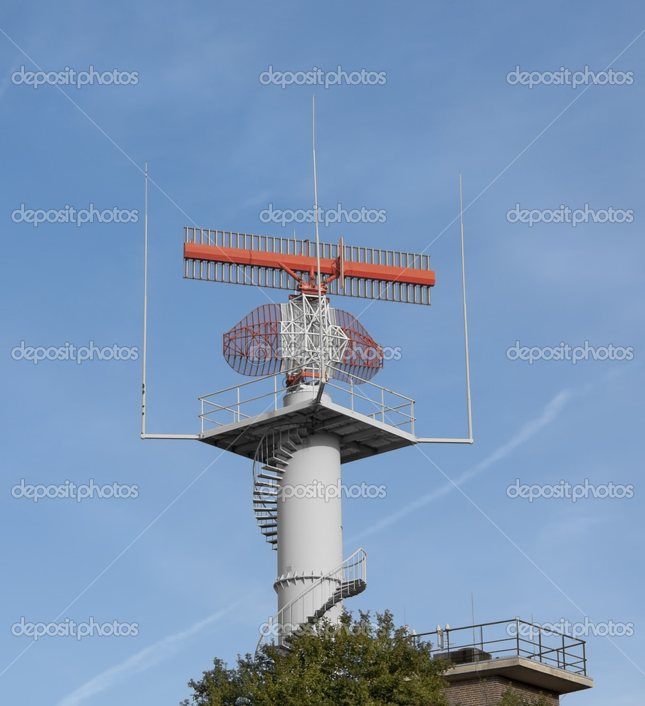 Radar tower against blue sky — Stock Photo #4468696