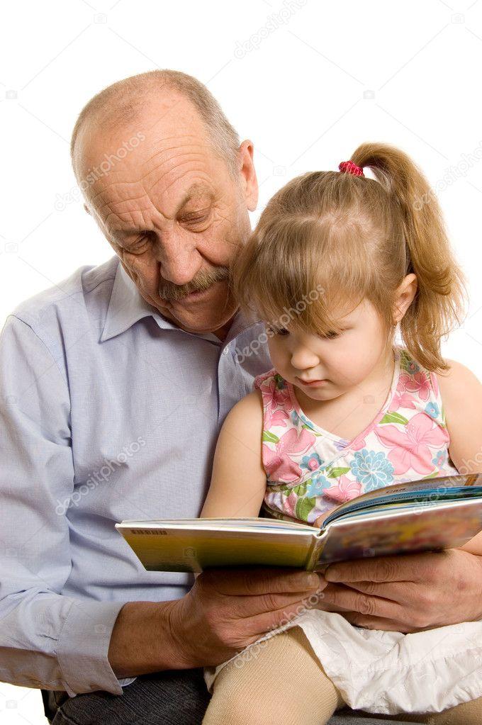 дед лижет у внучки фото