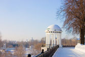 Rotunda on river Volga quay in Yaroslavl — Stok fotoğraf
