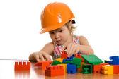 маленькая девочка в шлем играет — Стоковое фото