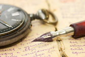 Old letters and pen as a background — Zdjęcie stockowe