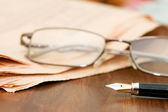 Business fountain pen and glasses — Stock Photo