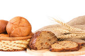 Fresh bread with ear of wheat — Stockfoto