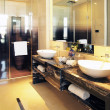 Luxurious bathroom — Stock Photo