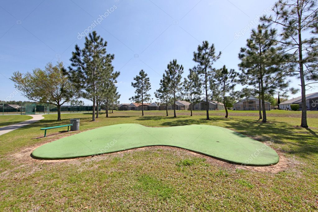 A nice Putting Green for Golf Practice — Stock Photo #4677543