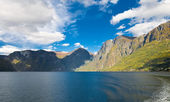 Norwegian nature. Fiords and mountains — Stock Photo