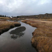 Typique paysage islandais avec église — Photo