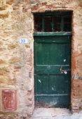 Stare drzwi morza śródziemnego — Zdjęcie stockowe