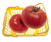 Cesta de tomates frescos — Foto de Stock