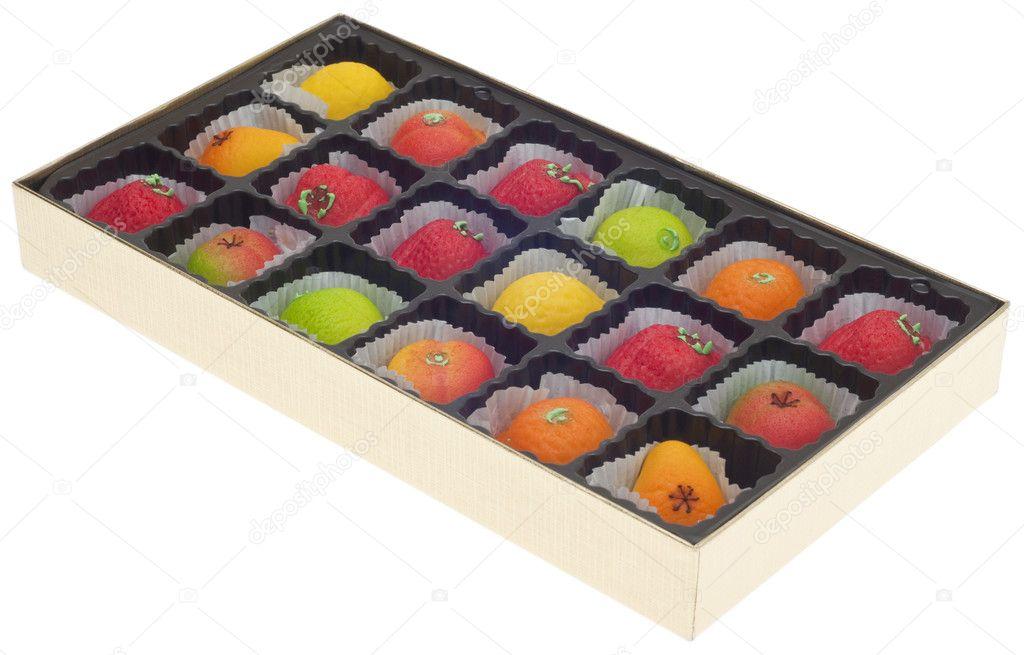pte damande colore en forme de fruits image - Pate D Amande Colore