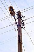 Oude kolom van de verlichtingssterkte — Stockfoto