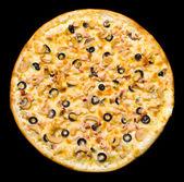 Pizza z szynką i pieczarkami, na białym tle — Zdjęcie stockowe