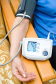 Measurement of blood pressure — Stock Photo