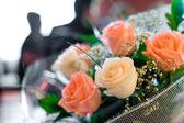Bloemen bij feestelijke gelegenheid — Stockfoto