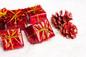 Gift boxes with pinecone — Stockfoto