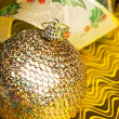 Christmas decoration ball with ribbon - Zdjęcie stockowe