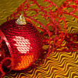 Christmas decoration ball with ribbon - Foto Stock