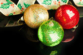 Christmas decoration ball with ribbon — Stock fotografie