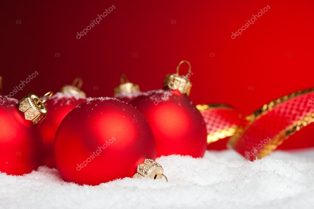 Christmas decoration balls with snow  — Stock Photo #4504872