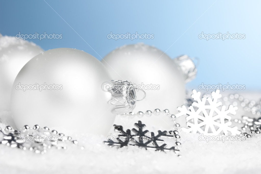 Christmas decoration balls with snow — Stock Photo #4574455