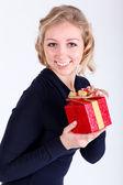 Noel canlı çekici kızı sunar — Stok fotoğraf