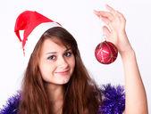 有吸引力的年轻女孩与圣诞节生动地介绍了 — 图库照片