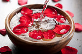 Spa therapy with flowers — Stock Photo