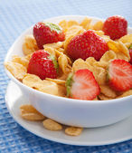 Cereal with strawberry — Stock Photo