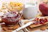 Crisp bread with jam for breakfast — Stock Photo