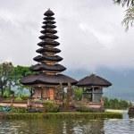 Beautiful Balinese Pura Ulun Danu temple on lake Bratan. — Stock Photo #4745249