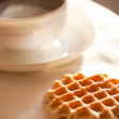Hot coffee with wafers — Stockfoto