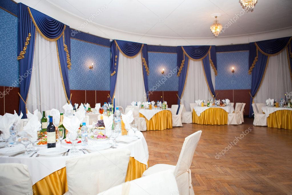 Banquet hall, hall for the big holiday  — Stock Photo #5349804