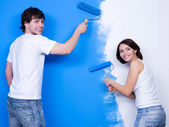 Brushing the wall by happy — Stock Photo