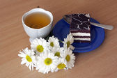 Tea and cake — Stock Photo