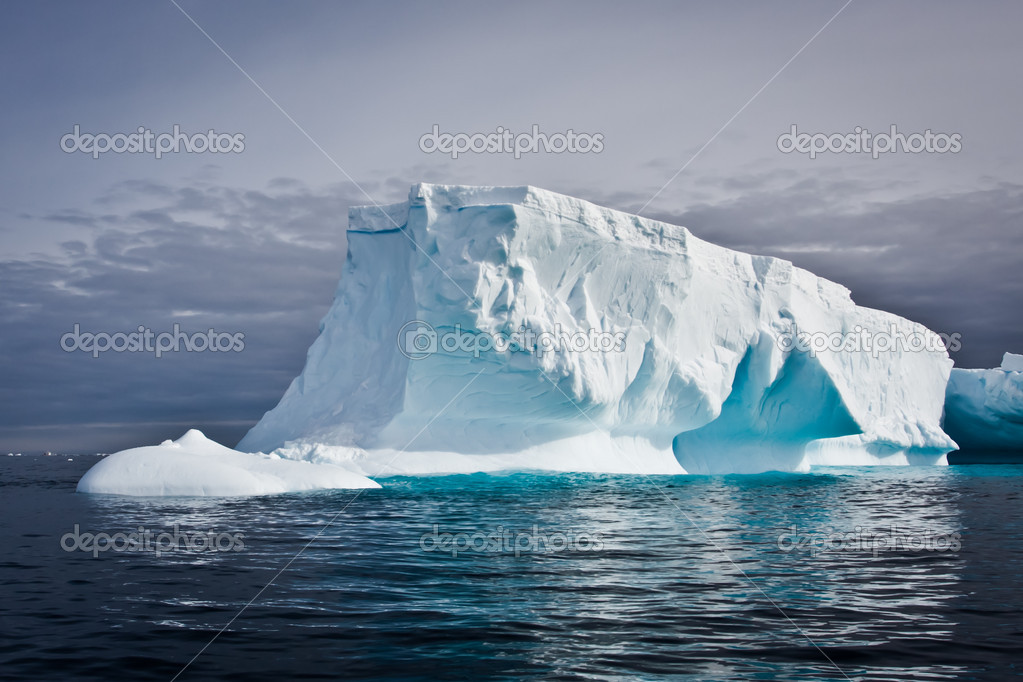 Antarctic iceberg in the snow — Stock Photo #3961884