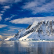 Snow-capped mountains in Antarctica — Foto Stock