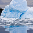 Huge iceberg — Stockfoto #4435375