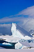 Huge iceberg in Antarctica — Stock Photo