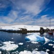 Yacht in Antarctica — Stockfoto