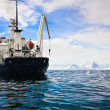 Big ship in Antarctica — Stock fotografie