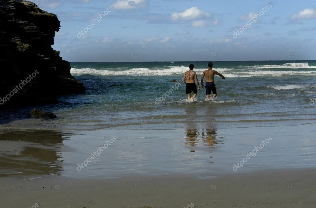 Two men having fun at the beach — Stock Photo #4882573