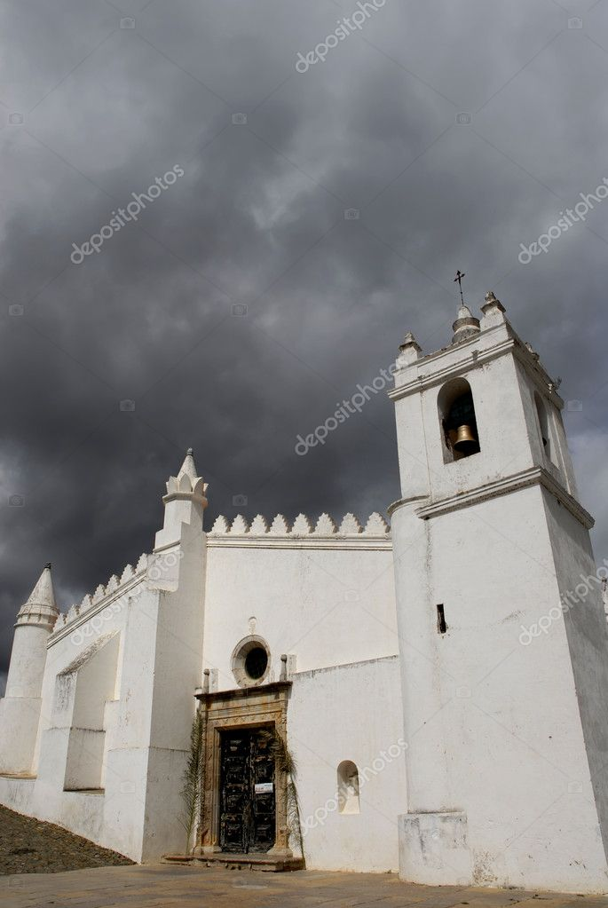 Old church of Mertola, in Alentejo, the south of Portugal — Stock Photo #4890399