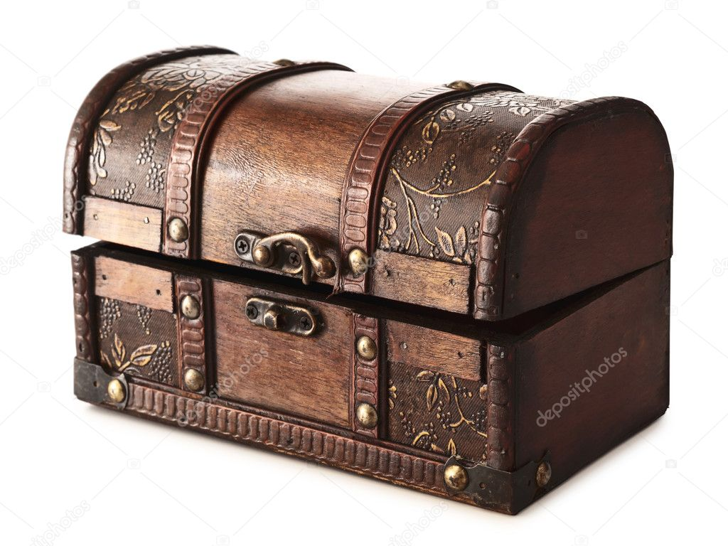 Vintage wooden chest over white, clipping path — Stock Photo #4413663