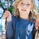 Girl swinging — Stock Photo #4177671